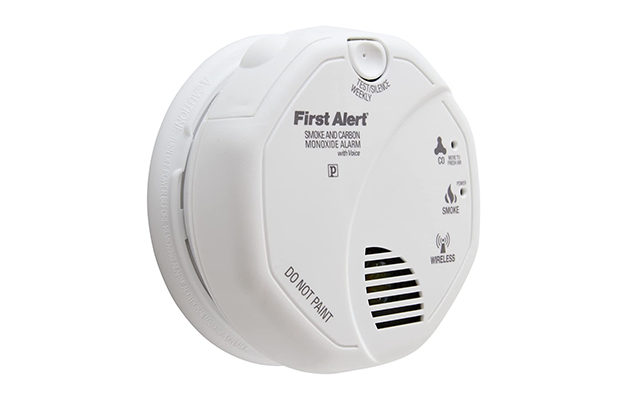 First Alert Wireless Interconnected Photoelectric Smoke Alarm